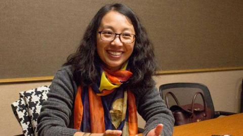 Kylie Qiu helps facilitate discussions with international students about the adjustment to college. | Daily Nebraskan